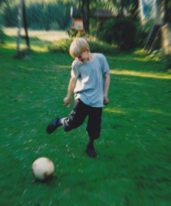 Kristian med bold, Slangerup 2002 edit